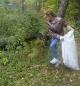 Участники активно включились в уборку мусора